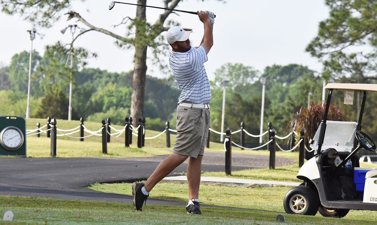 Photo for Loyola breaks program record, ends day two of SSAC Championship in fourth